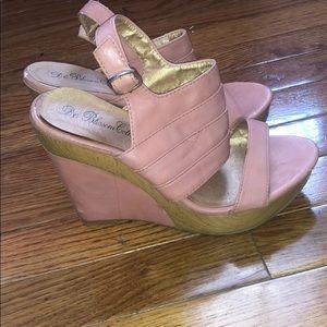 Platform sandals size 7